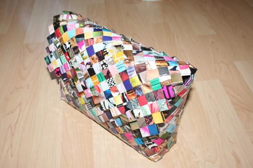 Stor flettet taske med lukke-flap