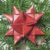 Stjernestrimler - mørkerød med guldstjerner