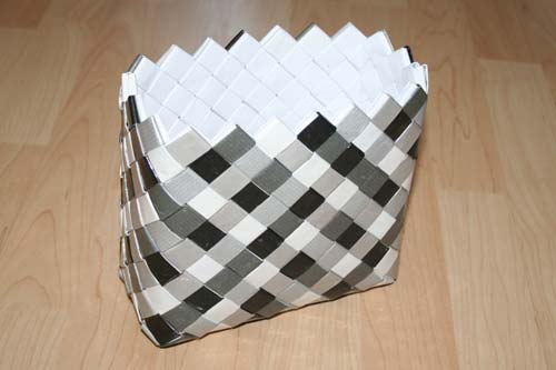 Flettet taske med flad, 7 tern bred bund