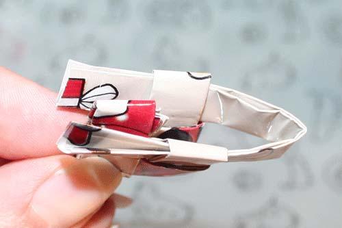 Candywrapper - flet en firkant af fire stykker papir