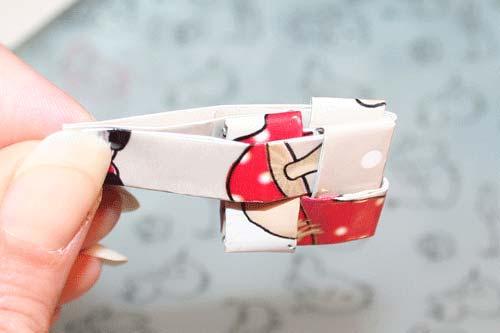 Candywrapper - flet en firkant af fire stykker papir - træk fjerde papir igennem