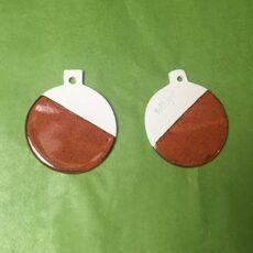 Porcelæns julekugler med rustrød glasur