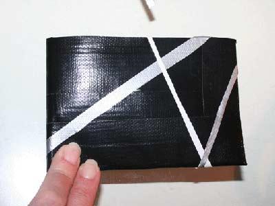 Lav en pung af gaffatape / gaffer tape